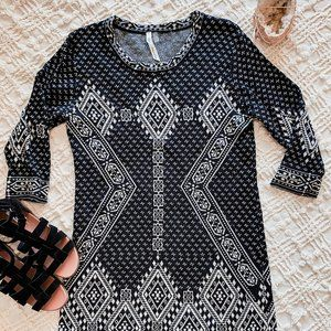 NY Collection • B&W Patterned Sweater Dress